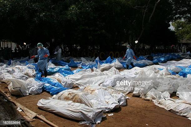 The Death Wave In Southeast Asia Un séisme d'une puissance exceptionnelle a provoqué un tsunami géant qui a déferlé sur les côtes de l'Asie du Sud...