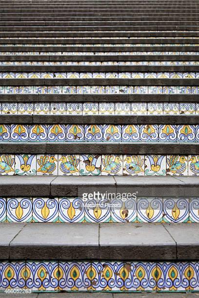 the decorated staircase of caltagirone - massimo pizzotti foto e immagini stock