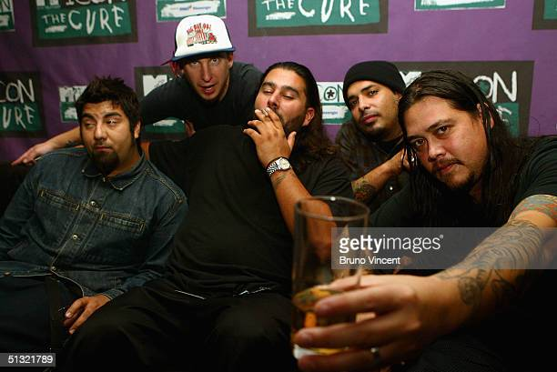 The Deftones pose for photographs before MTV Icon 2004 The Cure at Old Billingsgate Market on September 17 2004 in London The annual live tribute...