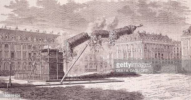 The demolition of the Victory Column on the Place Vendome in Paris, May 16 during the period of the Commune, engraving. France, 19th century.