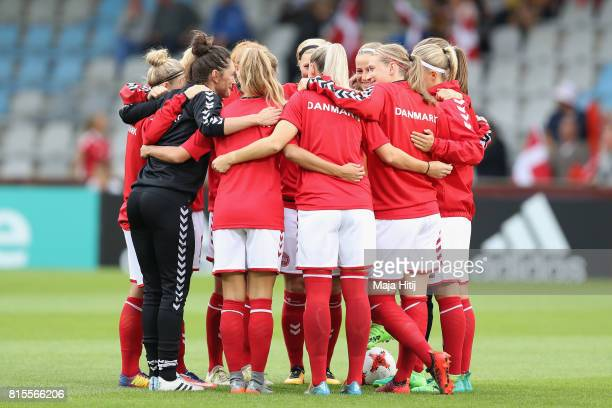The Denmark team create a huddle prior to the Group A match between Denmark and Belgium during the UEFA Women's Euro 2017 on July 16 2017 in...