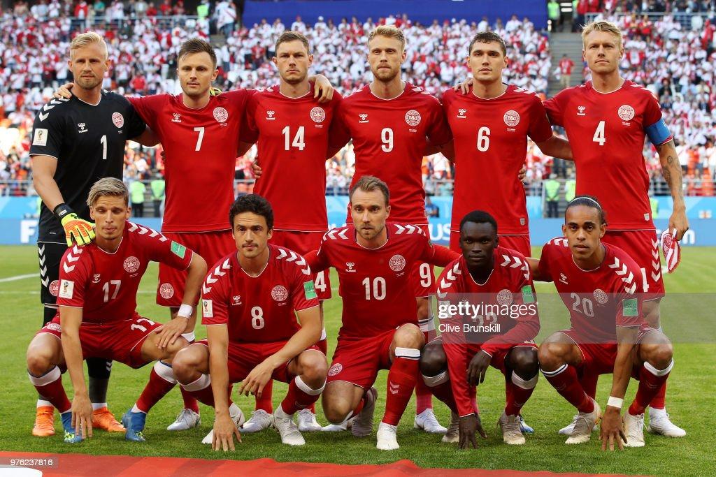 Peru v Denmark: Group C - 2018 FIFA World Cup Russia : Photo d'actualité