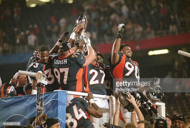 The Denver Broncos celebrates defeating the Green Bay Packers in Super Bowl XXXII on January 25 1998 at Qualcomm Stadium in San Diego California The...