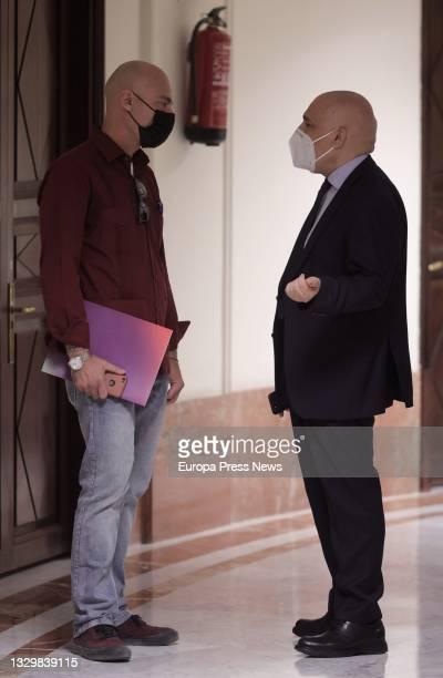 The deputy and secretary general of Unidas Podemos, Txema Guijarro and the secretary general of the PSOE in Congress, Rafael Simancas , on his...
