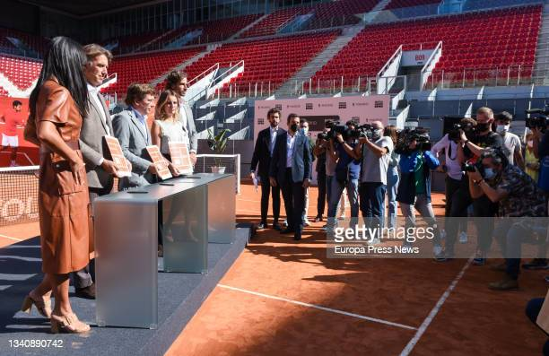 The deputy mayor of Madrid and member of the Cs Standing Committee, Begoña Villacis; the president and CEO of Madrid Trophy Promotion, Gerard...
