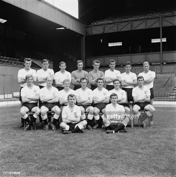 The Derby County FC team, 1965. From left to right Bobby Saxton, Phil Waller, Eddie Thomas, Reg Matthews, Colin Boulton, Ray Young, Ron Webster, Mick...