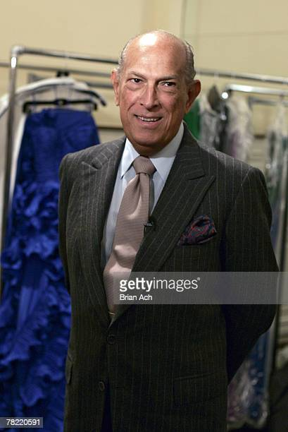 The designer Oscar de la Renta backstage at his Pre-Fall 2008 Ready To Wear show on December 3, 2007 at 583 Park Avenue in New York City.