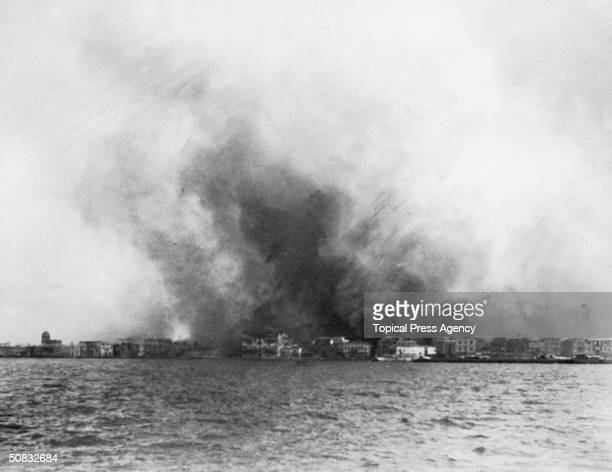 The destruction of Smyrna during the Turkish war with Greece September 1922