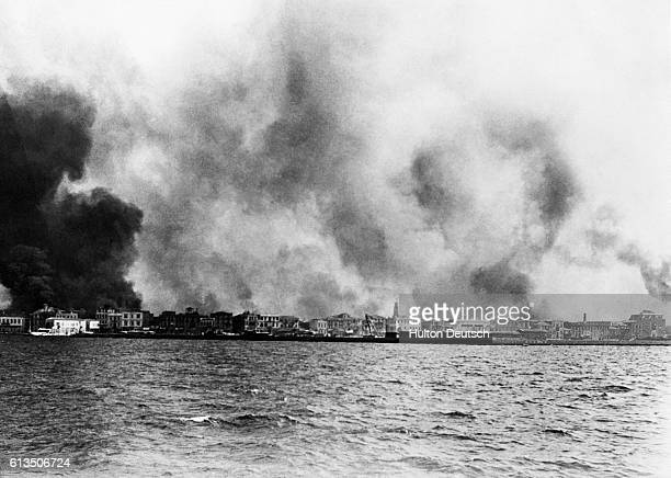 The destruction of Smyrna now Izmir in September 1922 The Turks finally succeeded in driving the Greeks from Asia Minor