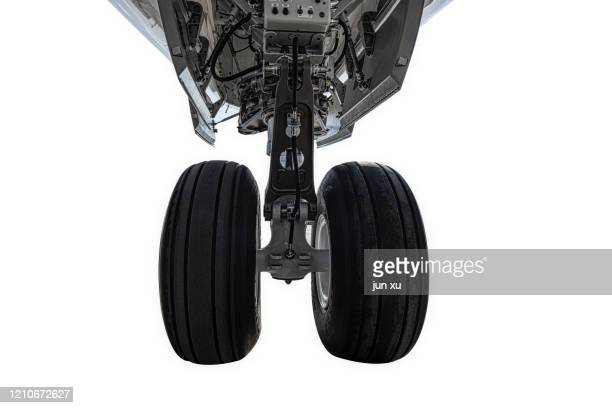 the detailed structure of the aircraft's landing and takeoff wheels - chassis stock pictures, royalty-free photos & images