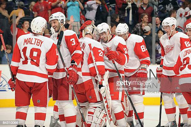 The Detroit Red Wings celebrate a 40 shutout against the Los Angeles Kings during the game at Staples Center January 15 2009 in Los Angeles California
