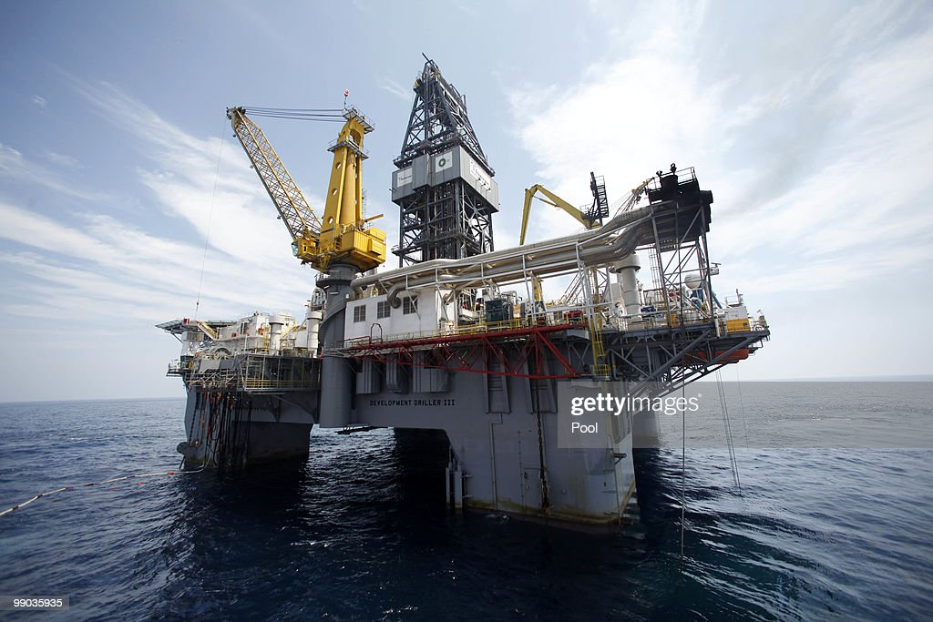 Gulf Oil Spill Begins To Reach Land As BP Struggles To Contain Leak : News Photo