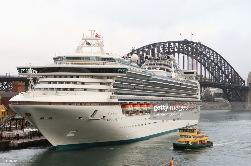 Three Superliners Arrive In Sydney As Cruising Industry Thrives - Cruise ship movements sydney harbour
