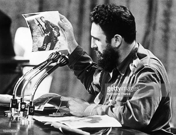 The dictator Fidel CASTRO announcing over the radio in Cuba the death of CHE GUEVARA his companion in arms in the Bolivian jungle He is showing a...
