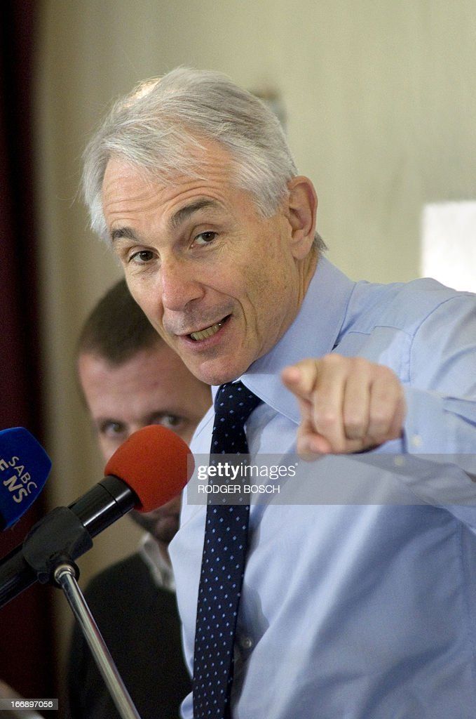 The director-general and chief exectutive officer of the International Air Transport Association (IATA), Tony Tyler, speaks on 18 April 2013 at a lunch organized by the Cape Town Press Club in Cape...