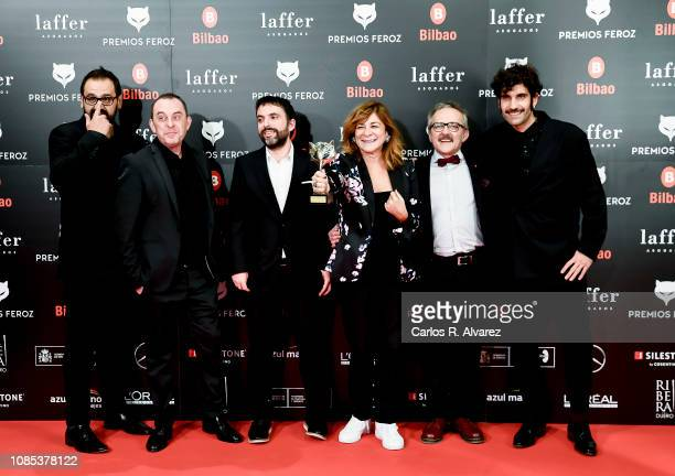 The directors and cast of Fariña receive Best Drama Series at the Feroz Awards on January 19 2019 in Bilbao Spain