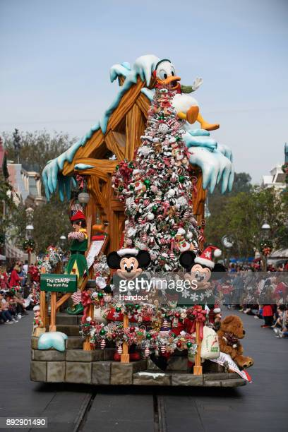 Christmas Day Parade.60 Top Disney Parks Christmas Day Parade Pictures Photos