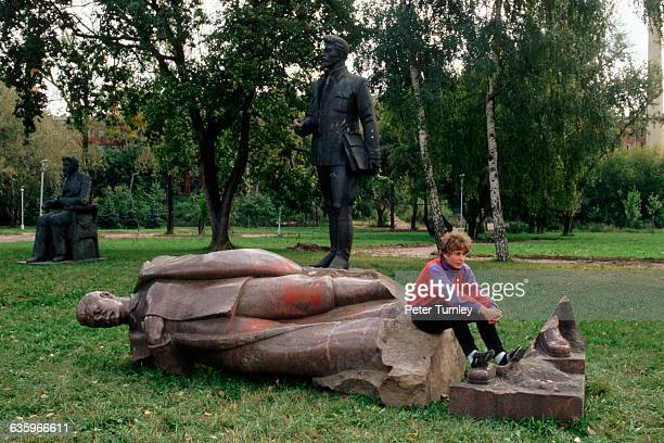 The disrepair of statues of Soviet leaders such as Lenin and Stalin echo the reality of the fall of the Soviet Union
