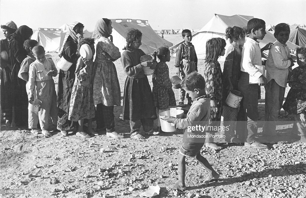 The Distribution Of Bread To The Population Six-Day War -5265