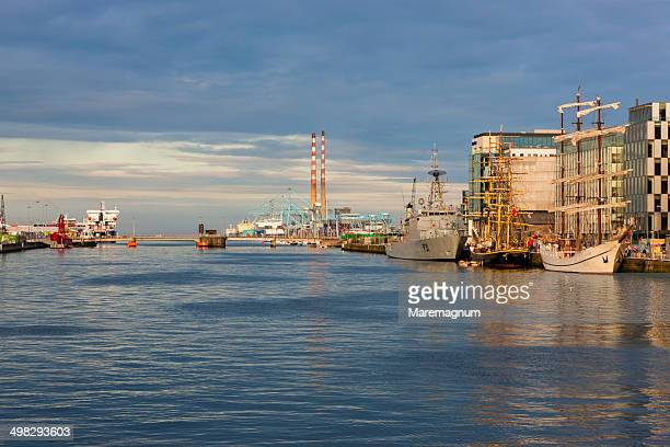 the docks  on the liffey river - 2010 stock pictures, royalty-free photos & images