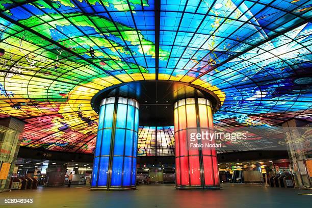 the dome of light at formosa boulevard station - taiwan - fotografias e filmes do acervo