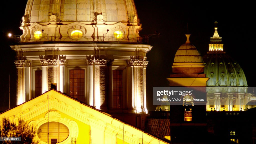 The domes of Rome at night : Foto de stock