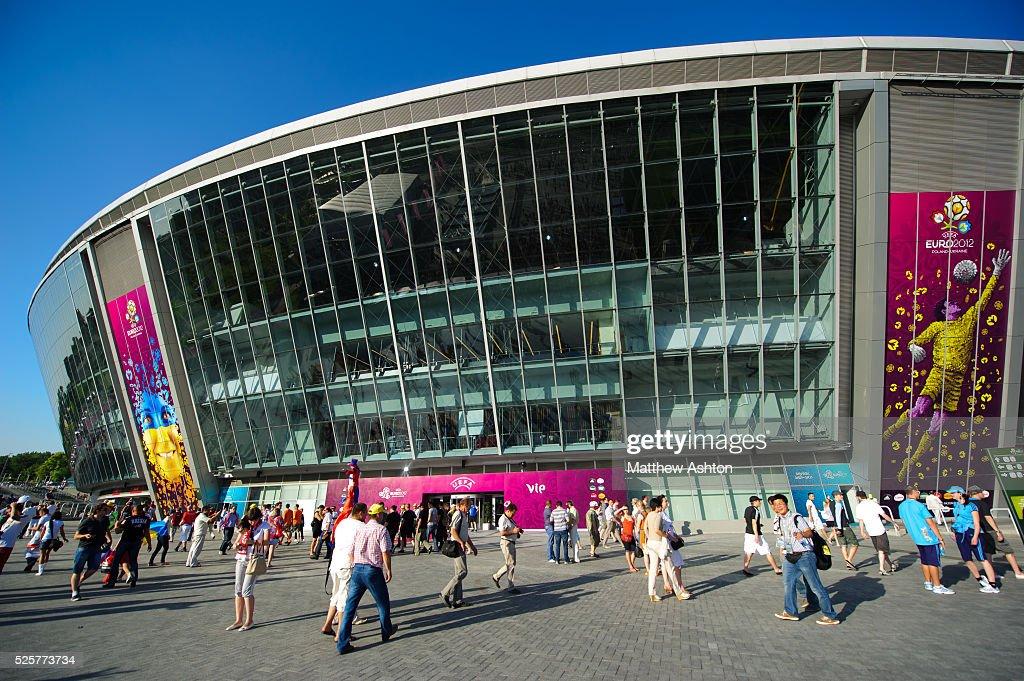Soccer - UEFA European Championships Euro 2012 - Group D - France v England : ニュース写真