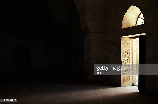 the door - aleppo stock pictures, royalty-free photos & images