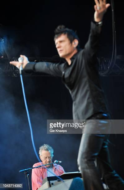 The Doors, Ray Manzarek, Brett Scallions of Fuel on vocals, Suikerrock Festival, Tienen, Belgium, 20th July 2010.