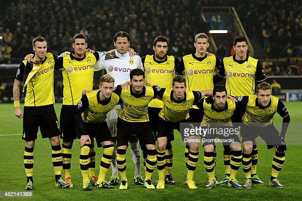 The Dortmund team pose for the cameras prior to kickoff during the UEFA Champions League Group F match between Borussia Dortmund and SSC Napoli at...