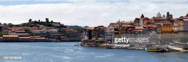 the douro river between gaia and porto - gwengoat stock pictures, royalty-free photos & images
