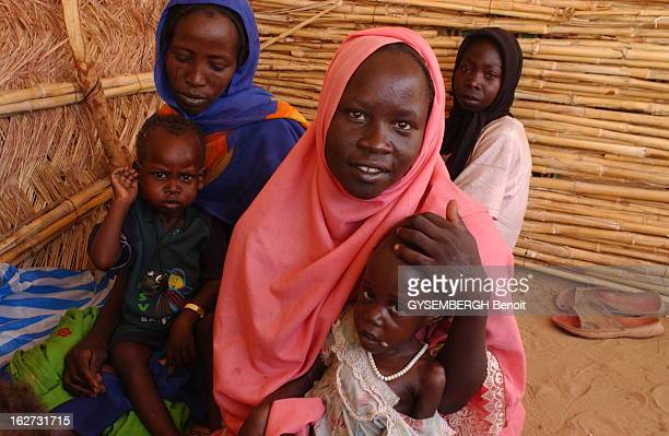 The Drama Of Darfur Refugees Guerre civile au SOUDAN dans la région montagneuse du DARFOUR faisant de nombreux morts parmi les civils qui fuient...