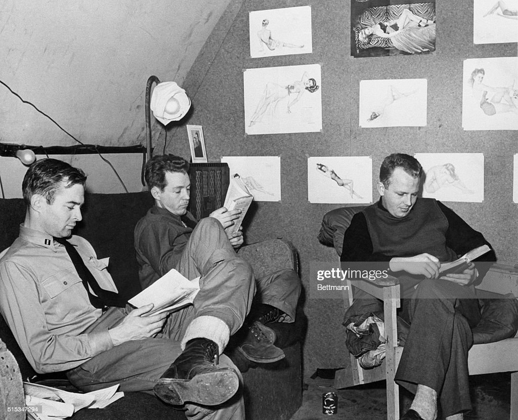 Flying Bookworms : News Photo