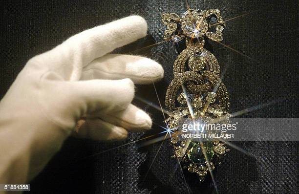 The Dresden Green Diamond is seen in the Watzdorf cabinet of the renovated Green Vault in Dresden 21 December 2004 The 41carat green diamond...