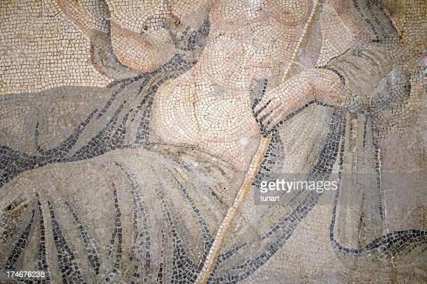 il concorso mosaico bere - mitologia greca foto e immagini stock