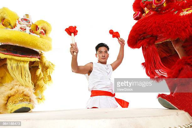 The drums and the lion dance