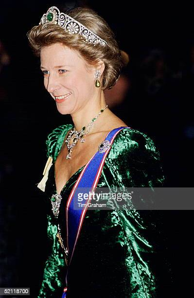 The Duchess Of Gloucester At The Dorchester Hotel For The Return Banquet Given By The Agong Of Malaysia.
