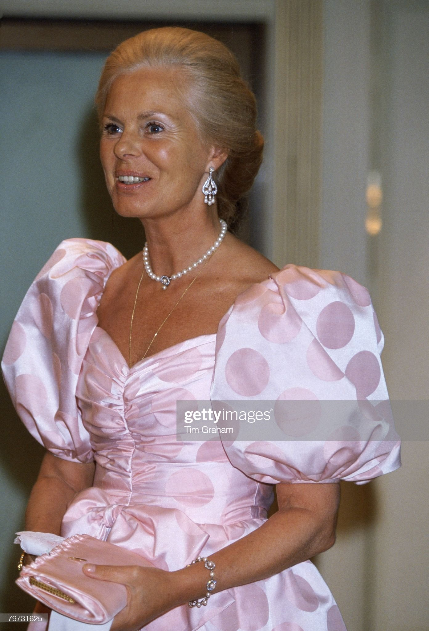 The Duchess of Kent at the Bartres Ball held at Grosvenor Ho : News Photo