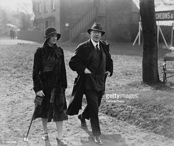 The Duchess of Westminster Loelia with Hugh Richard Arthur Grosvenor 2nd Duke of Westminster at Aintree racecourse for the Grand National 1931