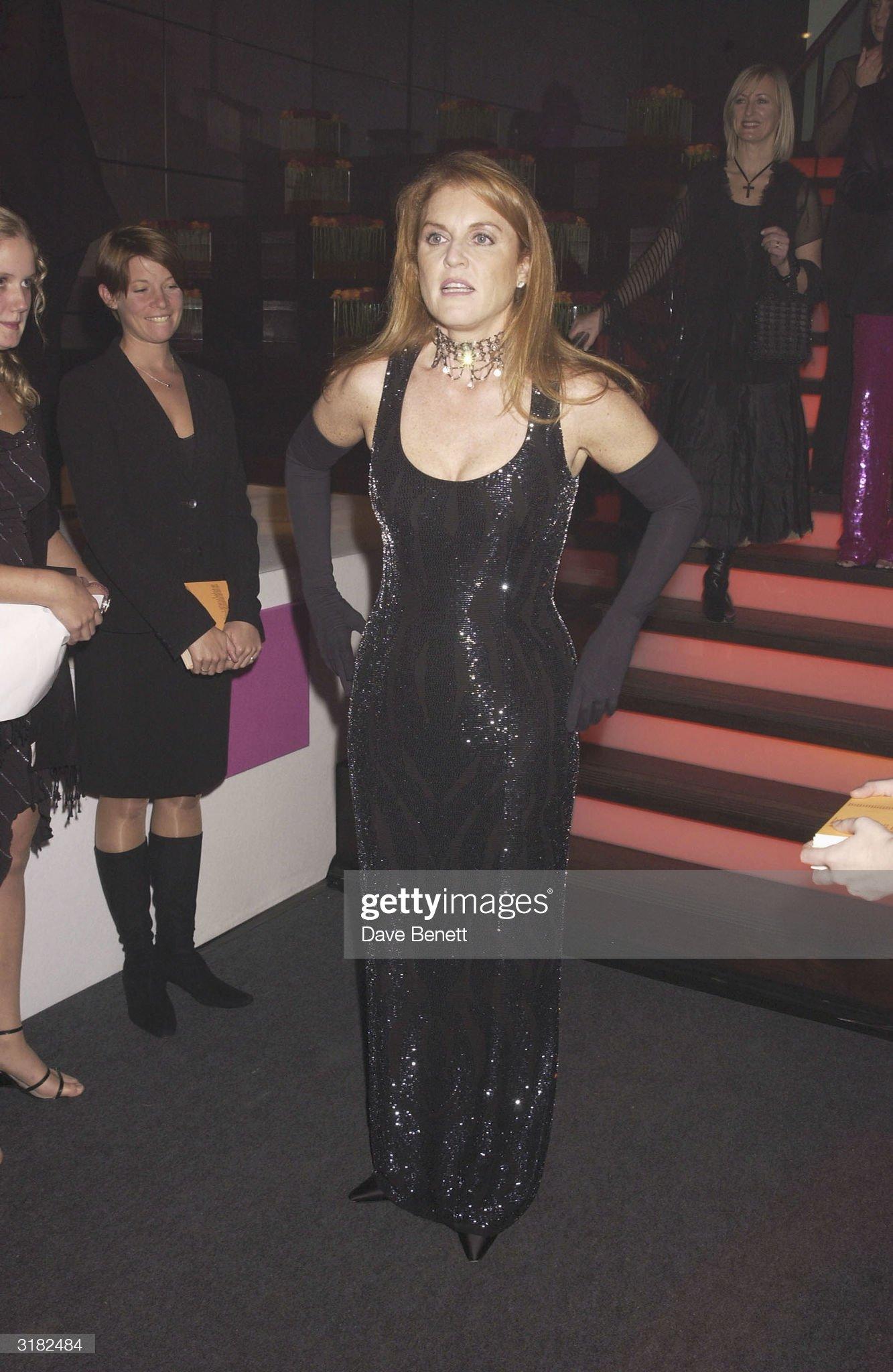 Вечерние наряды Отем пока еще Филлипс и Сары Йоркской The Duchess of York attends a 'Tommy's Charity' party : News Photo