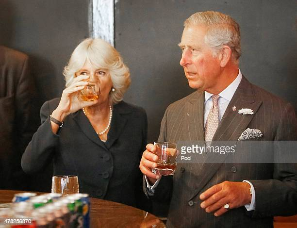 The Duke and Duchess of Rothesay enjoy a drink during a visit to the refurbished Clutha bar on June 24 205 in Glasgow Scotland The Duke and Duchess...