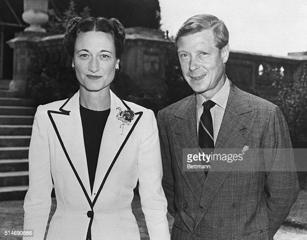 The duke and duchess of Windsor enjoy a brief stop in Hamiliton, Bermuda, on the way to the Bahamas, where the Duke is to become Governor.