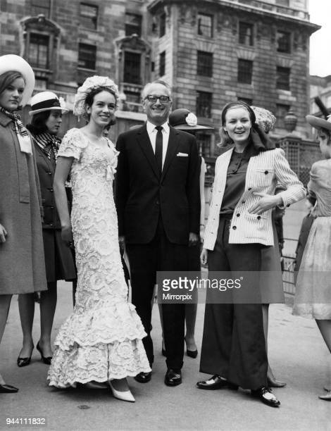 The Duke and the debs went to a fashion show yesterday The Duke of Bedford to compare it The debs 17yearoldJessica Kitson to model that long white...
