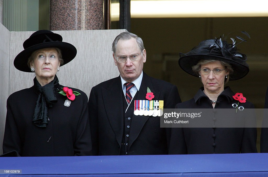 Remembrance Day Service At The Cenotaph : News Photo