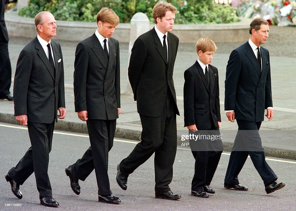 (L to R) The Duke of Edinburgh, Prince W : News Photo