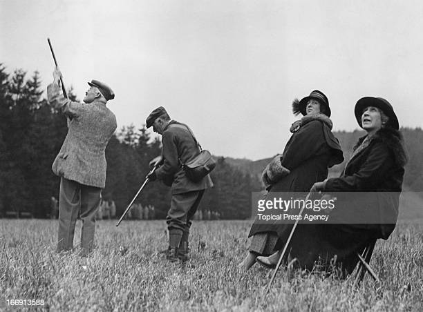 The Duke of Roxburgh Henry InnesKer 8th Duke of Roxburghe taking part in a pheasant shoot at a house party at the home of the Dowager Lady...