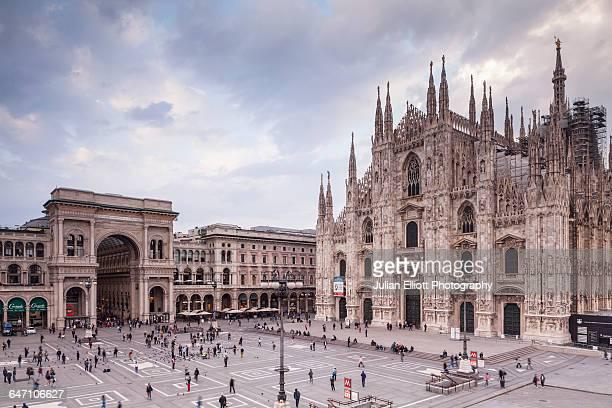the duomo di milano or milan cathedral, italy. - cattedrale foto e immagini stock