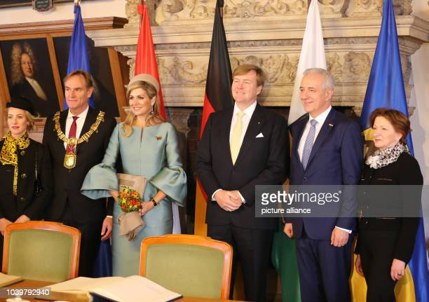 The Dutch royal couple WillemAlexander and Maxima visit the OldTown Hall in Leipzig Germany 09 February 2017 Standing on the right is Saxon State...