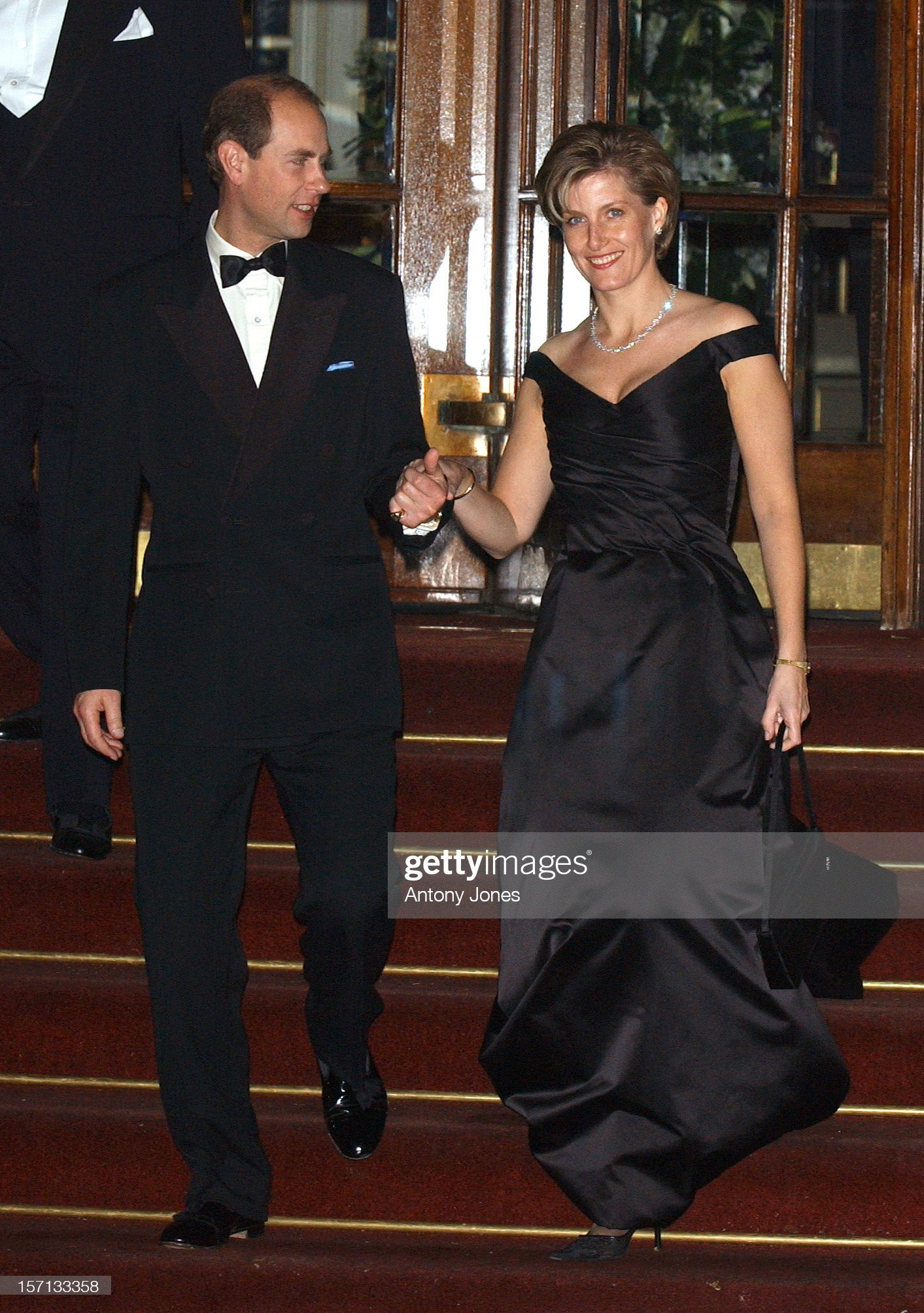 Arty At The Ritz Hosted By The Queen To Celebrate Her Jubilee Year : News Photo