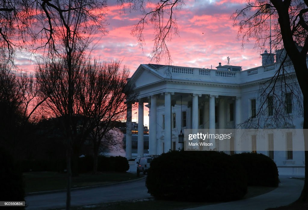 Cold Winter Morning At The White House : News Photo